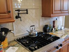 Completed Backsplash Tile, Utility Sink Relocation, U0026 Kidsu0027 Bath  Accessories. Billiger Spritzschutz FlieseU Bahn Fliesen ...