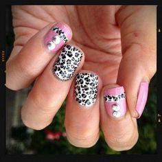 Nude leopard manicure #nails #manicure #nailart #naildesign