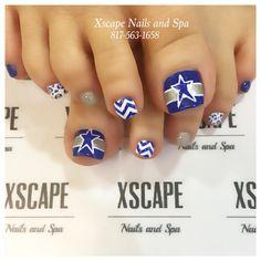 Dallas Cowboys toe designs. Dallas Cowboys Nail Designs, Dallas Cowboys Nails, Football Nail Designs, Football Nail Art, Football Team, Polygel Nails, Hair And Nails, Fancy Nails, Pretty Nails