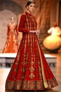 Reynu Tandon designer couture collection off the runway online