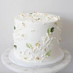 White on white Inside is All spice cake with Honey lavender buttercream . . . #bostoncakes #bostonparty #bostonbrides #bostonweddings…