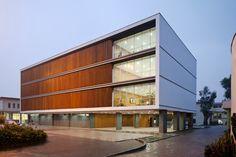 Galeria - Edifício de salas de aula na Universidade de Cuenca / Javier Durán - 51