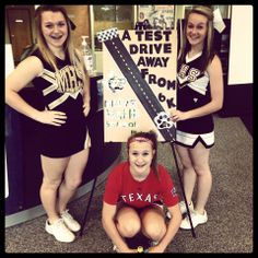 Cheerleaders Moving the Paw Print up to 50 drivers!