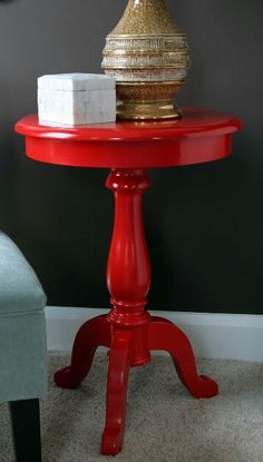 Charmant Gloss Red Table
