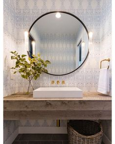 Inspiring Small Powder Room Decor And Design Ideas - TRENDUHOME-- – Powder rooms: the very words conjure up images of ladies powdering their noses and touching up their lipstick. While this may be the image that comes … Powder Room Decor, Powder Room Design, Rustic Powder Room, Powder Room Vanity, Decor Room, Bad Inspiration, Bathroom Inspiration, Lavabo Exterior, Powder Room Wallpaper