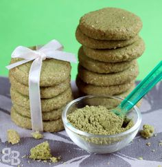 Matcha has seen a huge increase in popularity in the recent years. I've seen it been incorporated into a whole range of foods - soba, mochi, breads, cookies, cakes, frapuccinos etc. And why not rea...