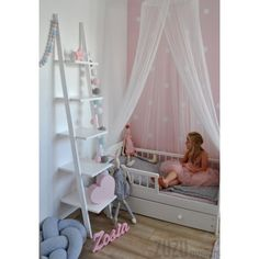 Serce, drabinka, cotton balls  - pastelowy pokoik dla dziewczynki