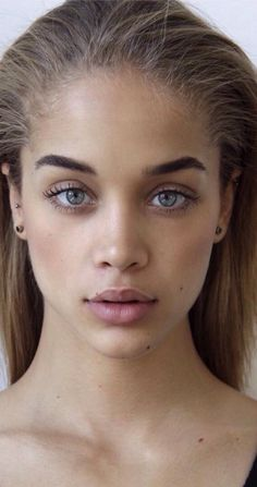 "{Jasmine Sanders} ""I'm Jessica, I'm a model, I'm 17, I'm really laid back but fun at the same time. Come say hello"""