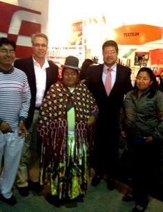 La presencia de los migrantes del norte es cada vez más importante en Tarija y se refleja en la ExpoSur.  Todas las empresas presentan orgullosos sus nuevos productos.
