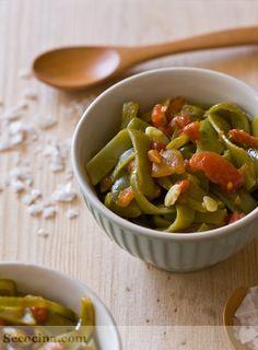 Judias verdes braseadas con tomate y jamon serrano