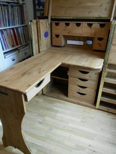 Sewing or a craft wooden table! Would be so excellent to use and so organised.