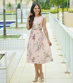 30 Popular Easter Dresses Ideas To Go To Church - Young ladies' Easter dresses bring the best of everything to the heavenly period of spring. Offering brilliant fashion, these delicate and stunning ma. Frock Dress, Dress Up, Modest Fashion, Fashion Dresses, Peach Clothes, Wedding Dress With Pockets, Vestidos Vintage, Easter Dress, Frocks