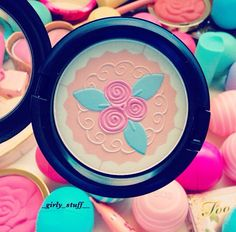 Mac Blush♡Have this one...