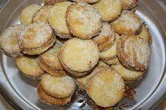 Ruokasurffausta: Vanhanajan herräsväen pikkuleivät - leivontaa mummun kanssa Biscuits, Deserts, Muffin, Sweets, Cookies, Baking, Breakfast, Food, Crack Crackers