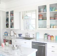 Laminate Countertops In Real Homes - not your grandmother's laminate countertops!