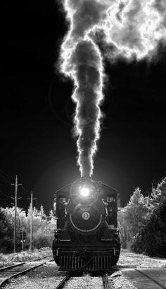 Zug - Eisenbahn - Dampflokomotive / Train - Railway - Locomotive - Schiene - Gleis / Rail