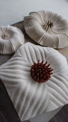 Patricia Chica, flores en ceramica