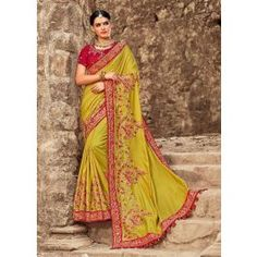 Buy sarees online USA at Ethnic Trendz at best prices. Carry a modern ethnic look from the widest collection sarees online shopping with stunning designs. Latest Indian Saree, Indian Sarees, Silk Sarees, Ethnic Looks, Olive Green Color, Wedding Fabric, Buy Sarees Online, Traditional Sarees, Indian Ethnic Wear
