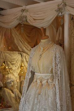 Sheelin Antique Lace Shop