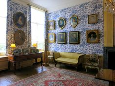 Museum Van Loon - The home is the epitome of Golden Age Amsterdam with beautiful paintings, lovely furnishings and luxurious textiles throughout.