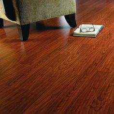 Shop Pergo Max 7.61-in W x 3.96-ft L Heritage Cherry Embossed Laminate Wood Planks at Lowes.com