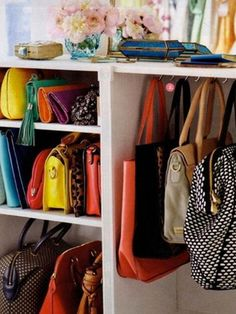 I should organize my bags like this. Much better than my current method.thrown on the floor. Organizar Closet, Ideas Para Organizar, Closet Bedroom, Diy Home Crafts, Diy Storage, Closet Organization, My Bags, Sweet Home, House Design