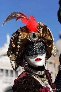 Venetian carnival mask                                                                                                                                                                                 Mais