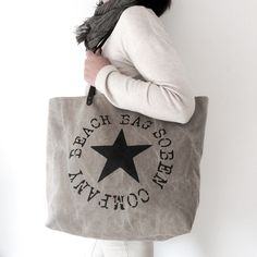"Image of En Stock - Beach Bag ""Fly Me To The Moon"""