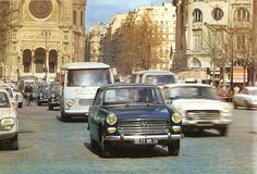 vintage everyday: 84 Fascinating Color Photos Documented Street Scenes of Paris during the 1970s