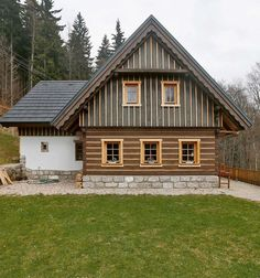 Vernacular Architecture, Architecture Design, Wooden Cottage, Cabins And Cottages, Log Cabins, Chalet Style, Weekend House, Country Farmhouse, Country Houses