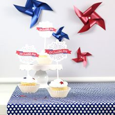 Craft easy & super cute firework patriotic cupcake toppers perfect for the fourth of July!   TheCelebrationShoppe.com 4th Of July Cake, 4th Of July Celebration, 4th Of July Party, July 4th, Patriotic Party, Patriotic Decorations, Cookout Food, Blue Desserts, Paper Cupcake
