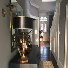 A Modern Victorian Home Tour - Estelle Derouet - The Interior Editor Modern Victorian Decor, Victorian Living Room, Modern Decor, Modern Design, Victorian House, Victorian Hallway, Victorian Interiors, Victorian Design, Style At Home