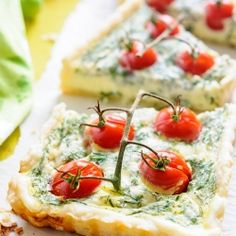 Cherry Tomato Tart - beautiful and impressive appetizer or main course if served with salad {recipe}