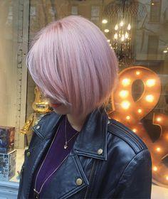strawberry blonde #strawberryblonde #strawberry #rosegold #rose #wella #wellahair #peachcobbler #peachhair #pink #hairlounge #haircolormagic #haircolor #nyc #hairsalon #ombre #balayage #ash #blonde #smokey#soho #Wellalife #wellacolor #hairpainting #modernsalon #silver #grey #nature #behindthechair #americansalon #americansalonselfie