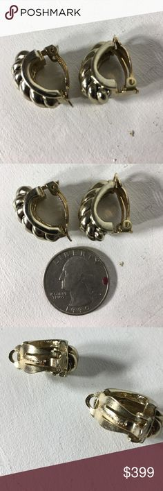 Oscar de la Renta Goldtone Clipon Earrings So gorgeous!  I will be posting more vintage Oscar de la Renta.  Wear commensurates with age.  These need to be cleaned.  I have pounds of antique, vintage, and modern jewelry and won't be able to clean it all.  This is fashion/costume jewelry.  Please ask questions before purchasing.  See pictures for more information and they are the description details, too.  Thank you for stopping by my closet.  Sparkles ✨ and Happy Poshing! Oscar de la Renta…