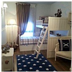 La habitación de Joan.. Tiene 4 añitos y dice que es mayor, y quiere una habitación de niño grande . Así qué ..nos hemos puesto manos a la obra y le hemos cambiado la cuna por una litera en L y hemos mantenido la esencia de su infancia .#fundas nórdicas y cojines de Escapa#alfombra,Lorena Canals#cortinas ,apliques y decoración en general en#Le Petit Cote Deco#