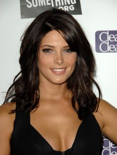 long wavy hairstyles with bangs 2014 ashley-greene Medium Long Hair, Long Wavy Hair, Dark Hair, Medium Hair Styles, Long Hair Styles, Medium Cut, Thick Hair, Straight Hair, Cool Easy Hairstyles