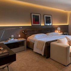 Quarto do casal | painel da cabeceira com iluminação indireta!! #design #ambientes #interiores ...