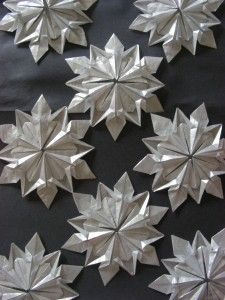 #Origami: #Snowflakes (Design by Dennis Walker)