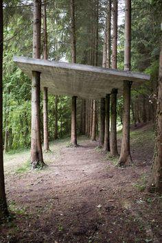 Karsten Födinger, Ohne Titel, 2013 reinforced concrete, 300 x 400 x 700 cm Installation view: Le jardin de sculpture, Collection N. Libert / E. Renoird, Paris, France. 2013