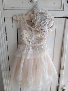 Ivory Vintage Country Dress - Cozette Couture