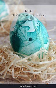 DIY Anleitung: Ostereier marmorieren mit Nagellack
