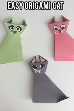 Looking to introduce origami to kids? Try this easy origami animal craft for kids. With simple origami step-by-step instructions, kids will surely enjoy making this cat craft. Chat Origami, Instruções Origami, Design Origami, Origami Simple, Origami Ball, Origami Butterfly, Paper Crafts Origami, Origami Flowers, Paper Crafting