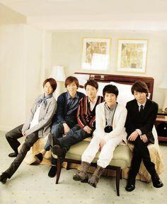 ARASHI- ok, sure. I'll go to bed with you guys. Japanese Boy, Japanese Beauty, You Are My Soul, Ninomiya Kazunari, Pop Bands, To My Future Husband, Handsome, Actors, Guys
