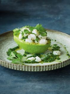 Avocados Stuffed With Scallop Ceviche Citrusy And Aromatic Cilantro Stars In This Easy Seafood Appetizer That Makes An Elegant Entry Point To A Night Of Entertaining Fun Easy Recipes, Raw Food Recipes, Healthy Recipes, Freezer Recipes, Freezer Cooking, Fish Recipes, Appetizers For A Crowd, Seafood Appetizers, Grilled Seafood