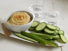 Hummus - Expolore the best and the special ideas about Fast metabolism diet Fast Metabolism Diet, Metabolic Diet, Nutritious Meals, Healthy Snacks, Healthy Eating, Real Food Recipes, Diet Recipes, Healthy Recipes, Dry Chickpeas