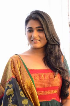 Shalini Pandey at Muhurat Stills HD Images Beautiful Girl Indian, Most Beautiful Indian Actress, Beautiful Saree, Samantha Images, Samantha Ruth, Kajal Agarwal Saree, Telugu Hero, Angels Beauty, Indian Girls Images