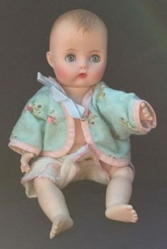 Vintage baby Doll Vogue Ginnette beautiful face authentic top #Vogue #DollswithClothingAccessories