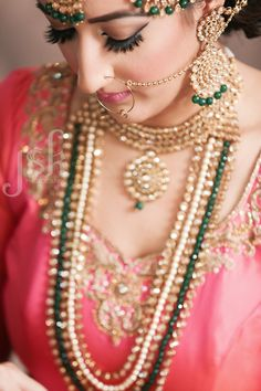 Bridal jewelry details. Indian wedding photographer. JSK Photography