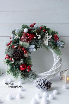 Christmas Flower Decorations, Christmas Advent Wreath, Christmas Frames, Xmas Wreaths, Christmas Diy, Creations, Gallery, Wicker, Christmas Crafts